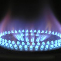 La cuesta de enero de 2019: suben los combustibles, pero baja el gas natural